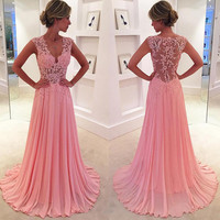 Modest Prom Dresses Elegant Evening Dress Lace Appliques Long V-Neck Prom Dress 2017 Chiffon Prom Gowns See Through Prom Gowns