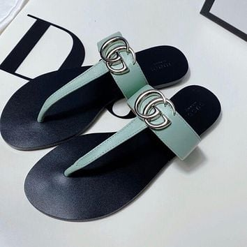 GUCCI Women's leather thong sandal
