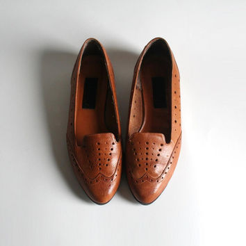 shoes 7 or 7.5 wingtip loafers. perforated slip on flats. 80s Ambiance by Marc Alpert