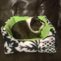 Square Cozy bed for hedgehog guinea pig ferret rat rabbit and other small animals cavy