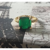 SALE  A Perfect 14K Yellow Gold 4CT Cabochon Emerald Green Ring