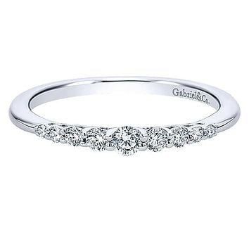 Gabriel Graduating Diamond Wedding Ring