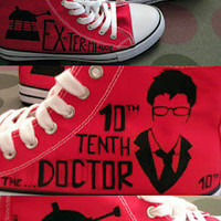 Doctor Who shoes, converse style. David Tennant, 10 Doctor, Dalek or Weeping Angel.