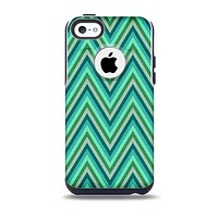 The Vibrant Green Sharp Chevron Pattern Skin for the iPhone 5c OtterBox Commuter Case