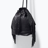 LEATHER BUCKET BAG WITH FRINGES New