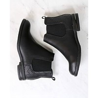 Chelsea Ankle Boots in Black