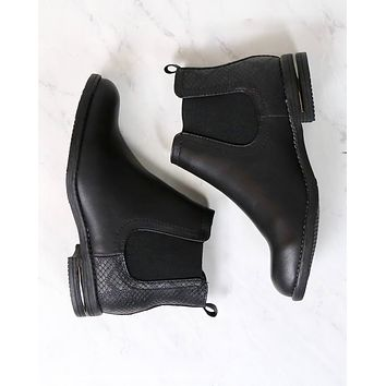 Final Sale - Chelsea Ankle Boots in Black