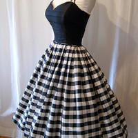 Designer 1980's does 1950's black and white silk gingham print new look party dress rockabilly prom timeless - size Medium