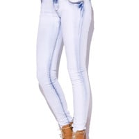 Low Rise Skinny Jeans in Wash