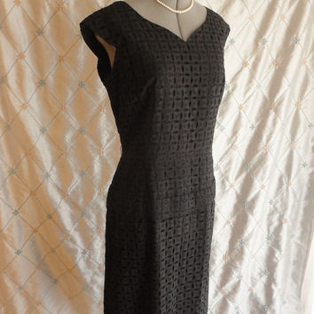 ON SALE XL // 50s Dress // Vintage 1950s Black Eyelet Lace Party Dress Size Xl 33 inch waist fully lined