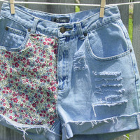 Lightwash Floral High waisted shorts - size 4
