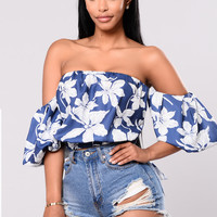 When I Look At You Top - Navy Floral