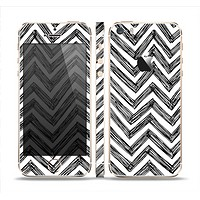 The Sketch Black Chevron Skin Set for the Apple iPhone 5s