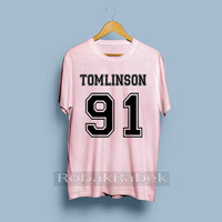 louis tomlinson 91 - High Quality Tshirt men,women,unisex adult