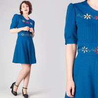 60s Blue Embroidered Mini Dress / Circle Pintuck Deep Blue Knit Mini Dress / Flower Cute Girly Medium M Mini Dress