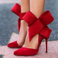 Big Bow Tie High-Heel