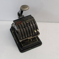 Antique Hedman Manufacturing Co Chicago Check-Writer Machine - Patented 1915 - No. 731163