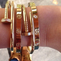 Nail Style Gold Love Bangle Bracelet