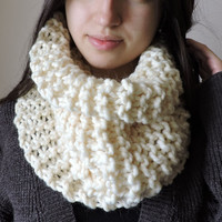 FREE SHIPPING Cozy scarf Chunky knit cowl Neck warmer Cable knit cowl Merino wool Ivory Infinity cowl Hand knit neck warmer Tube cowl snood