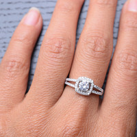 0.42 Carats Round Shape Fine Cubic Zirconia .925 Sterling Silver Ring