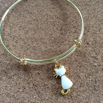 Adorable Cat Charm Bracelet Expandable Adjustable Gold Wire Bangle One Gift Kitten white
