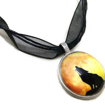 Cabochon Howling Wolf Necklace, Yellow Wolf Charm, Animal Necklace, Black Organza Necklace,  Cabochon Necklace, Wolf Cabochon, Boho Necklace