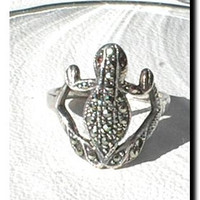Marcasite Frog Ring Size 8 With Red Eyes Vintage - EVE