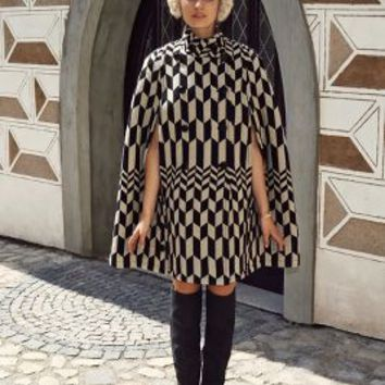 Domino Deco Cape by Plenty by Tracy Reese Black Motif