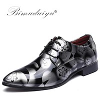 Luxury Men Pointed Toe Dress Shoes Shadow Patent Leather Shoes Fashion Groom Wedding Shoes Oxford Shoes