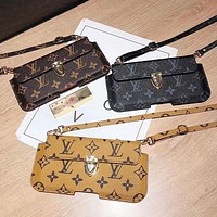 LV Louis Vuitton Retro new small money card case mobile phone shell letter printing old flower tide brand messenger bag key bag messenger bag