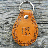 Unisex Personalized Leather Key Chain - Gifts for Men or Women - Anniversary Gift - Groomsmen -  Leather Key Chain , Keychain, Key Ring