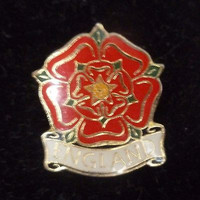England Red Flower Pin