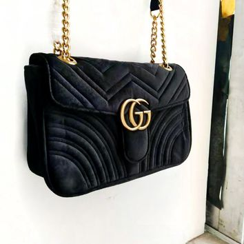 GUCCI Simple Classic Wave Pattern Women's Chain Bag Shoulder Bag