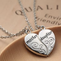 """Popular Mother and Daughter Love """"Mom"""" Necklace Mother's Day Gifts For Mother C"""