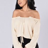 Lady in Waiting Top - Ivory