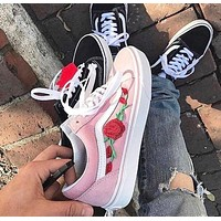 Vans Classics Old Skool Rose Embroidered Pink Sneaker
