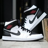 Nike Air Jordan 1 Mid New fashion hook couple hit color shoes
