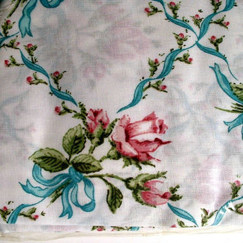 Vintage Pillowcases Set of 2 in Package Vintage Rosebuds and Ribbons Flowers Floral New Old Stock West Point Pepperelle Made In USA
