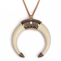 Alloy Gold Chain Necklace Retro National Ivory Crescent Moon Necklace Women Jewe