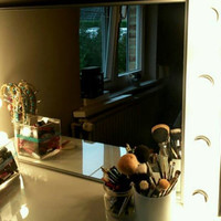Lighted vanity face and makeup mirror, Excellent mirror for all your beauty needs. makeup mirror beauty mirror