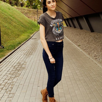 Grey Owl and Letter Print Crop Tee