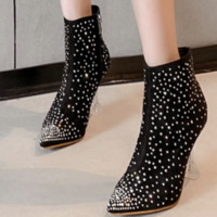 Hot style sells high heels with pointed crystal and nude boots
