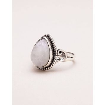 Vintage Teardrop Moonstone Ring - Size 8