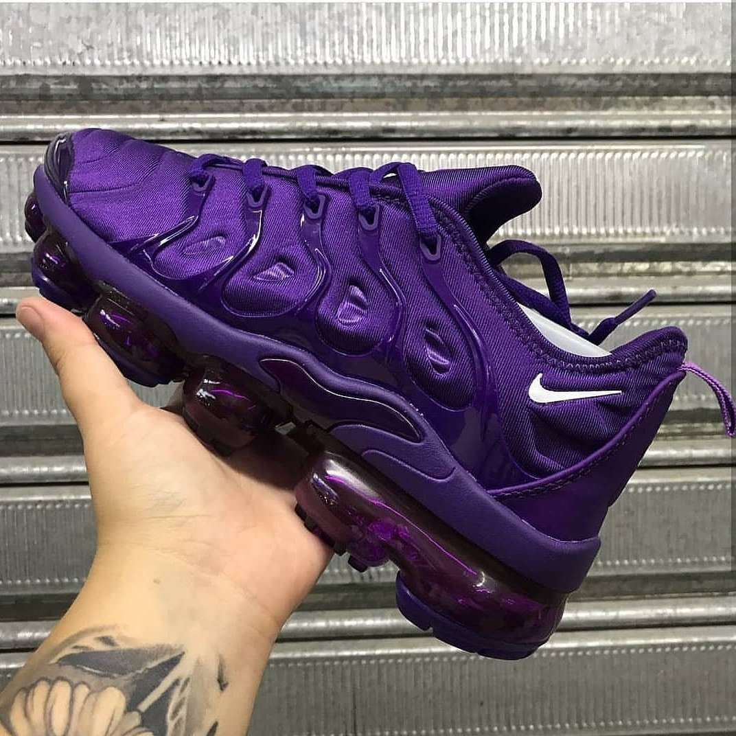 Image of NIKE Sneakers Sport Shoes Vapormax Plus