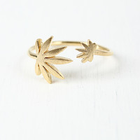 Double Plant Ring