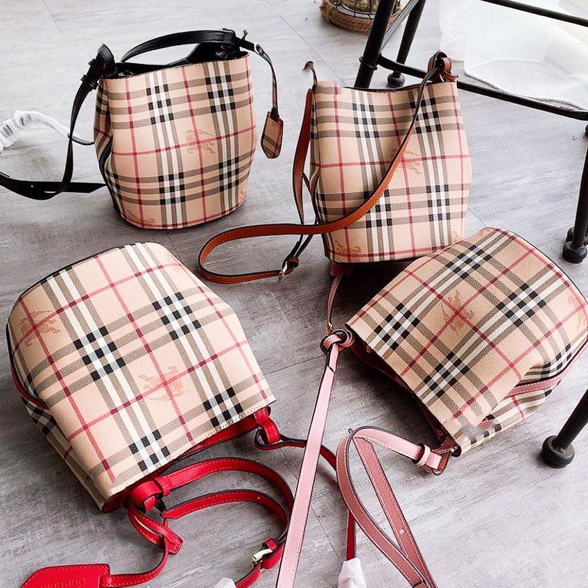 Image of BURBERRY popular two-piece bucket bag with plaid printing for casual ladies