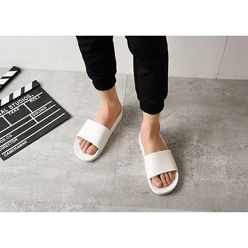 Summer Home Men Slippers Simple Black White Lovers Shoes Non-slip Bathroom Slides Flip Flops Indoor Women Platform Slippers