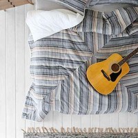 4040 Locust Pieced Stripe Quilt- Grey Full/queen