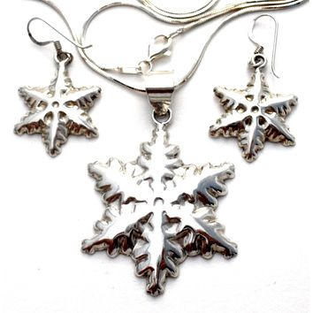 Sterling Silver Snowflake Necklace Set