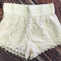 Best Dressed Lace Short: Ivory